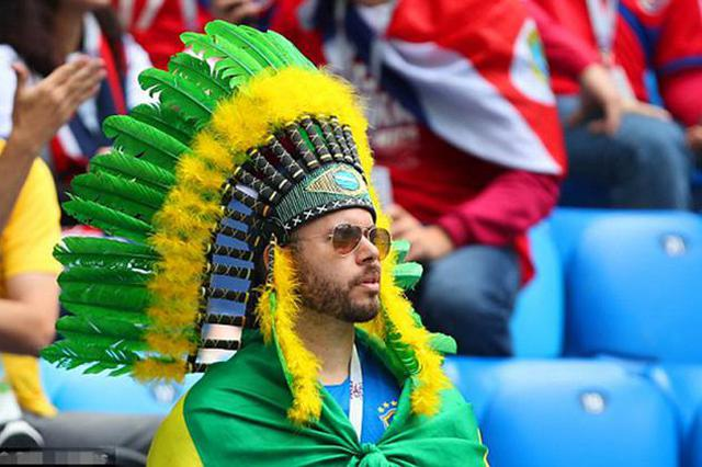 世界杯-内马尔+库鸟补时破门 巴西2-0胜 巴西出线形势大好