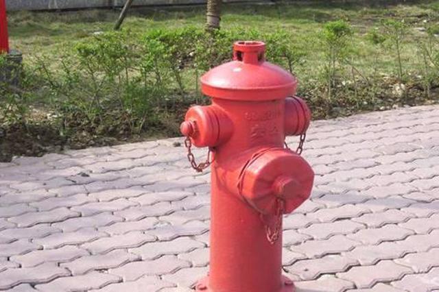 """铺设室外消火栓管网解决""""无水"""" 难题"""