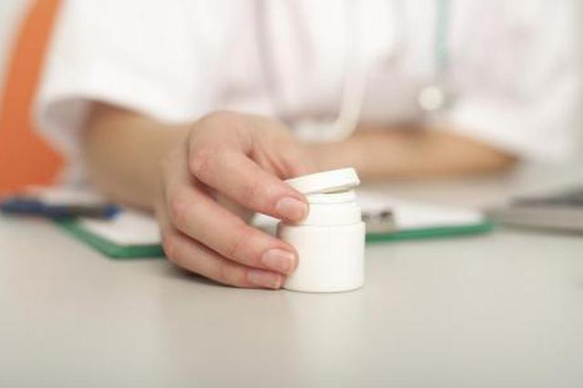 含山县为贫困人口慢性病患者免费配送药品