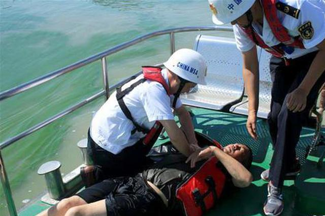 巢湖水域举行暑期水上应急救援演练