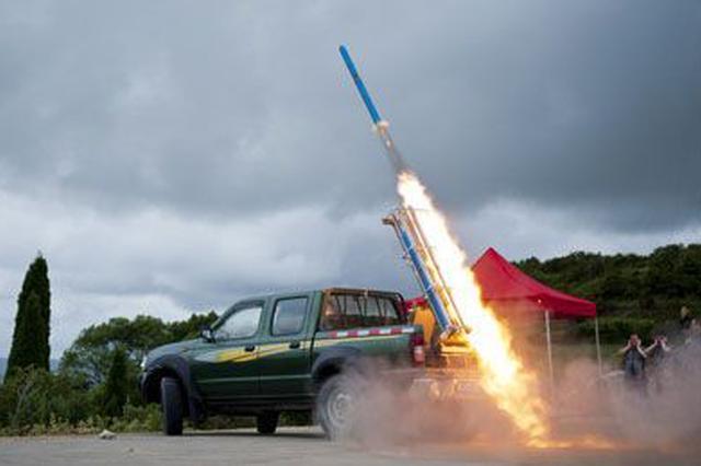 六枚火箭弹上天 一场及时雨落地