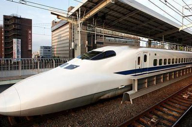 """受""""山竹""""影响 两广跨省旅客列车全部临时停运"""