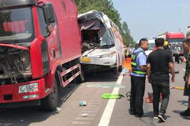 客车突发故障 安徽高速蚌埠处帮助46名乘客顺利脱困