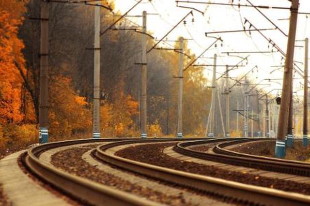 庐铜铁路正式开通客运业务