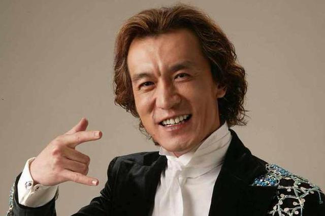 主持人李咏已于昨晚在坎贝尔殡仪馆举行告别仪式