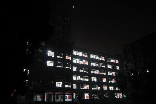 合肥:寄宿学校毕业班每周上晚自习不得超过6晚