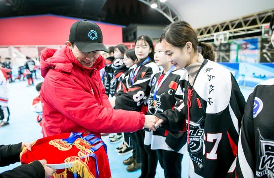 安徽学子在全国大学生单排轮滑球锦标赛中荣获冠军