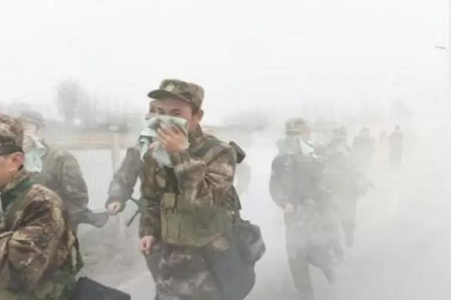 合肥警备区组织军事拉练 考验应急应战能力