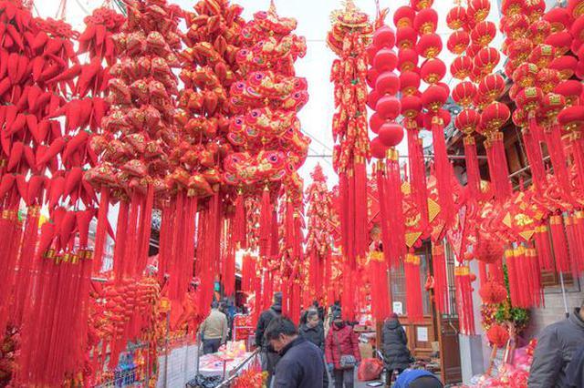 合肥城隍庙:彩灯高挂迎新年