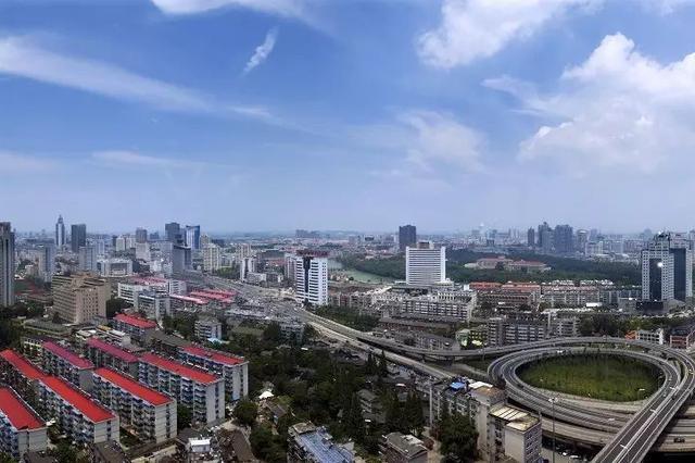 合肥城镇居民收入增速连续三年位居全省首位