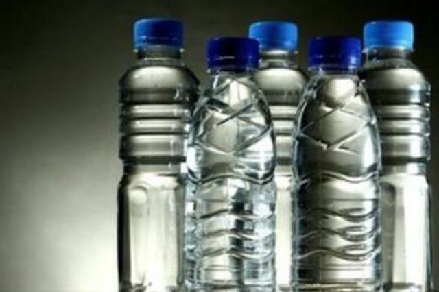 饮用水旺季来临 市场暗战打响