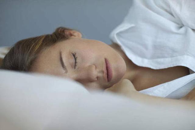 """补觉能把缺少的睡眠""""补回来""""吗 看看专家怎么说"""
