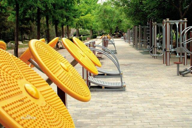 芜湖中央城C区 健身器材迟迟不到位