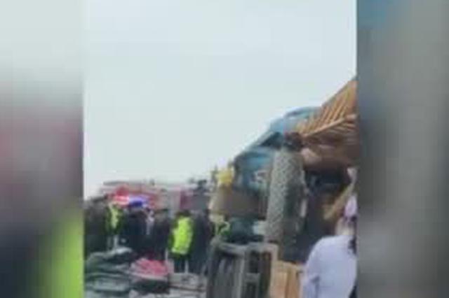 安徽一客车侧翻5人死亡 乘客系去参加体育考试学生