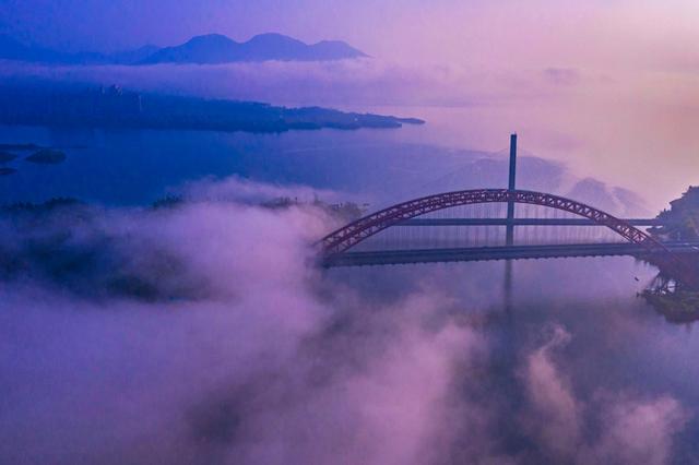 """别致""""双桥""""迷雾飘渺 太平湖 梦幻如画"""