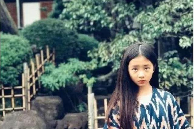 13岁黄多多成熟穿着引争议 母亲发文霸气维护