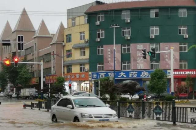 安庆出现特大暴雨 26日白天强降雨仍然持续