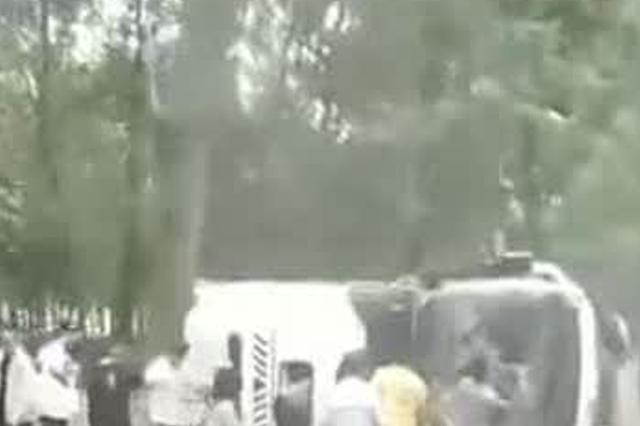 安徽轿车与客车相撞致37人伤  32人为中考结束的师生