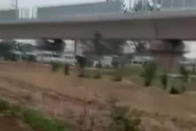 阜阳一高铁工地发生铁轨滑落事故
