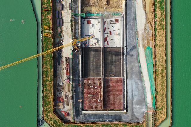 合肥:怀宁路下穿天鹅湖工程进入明挖隧道浇筑阶段