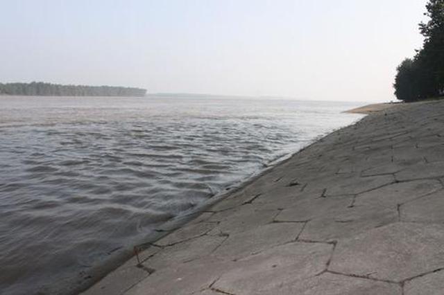 安庆防汛四级应急响应启动 同马大堤防汛进入实战状态