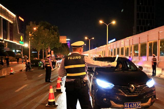 合肥交警设天罗地网 123名酒司机被逮正着