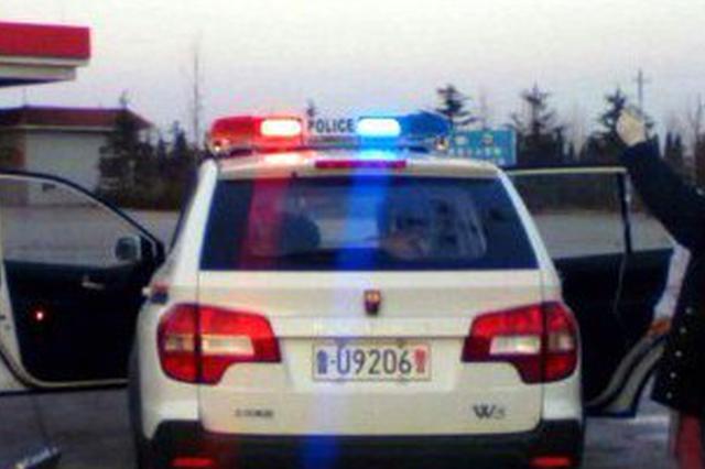 孕妇就医途中临盆 太湖警方借警车当产房母子平安
