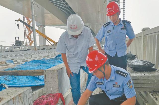 芜湖铁警介入商合杭大桥安全防范