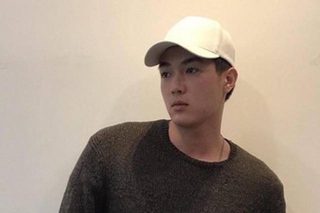 萧亚轩男友黄皓身份起底 年仅24岁还拍过微电影