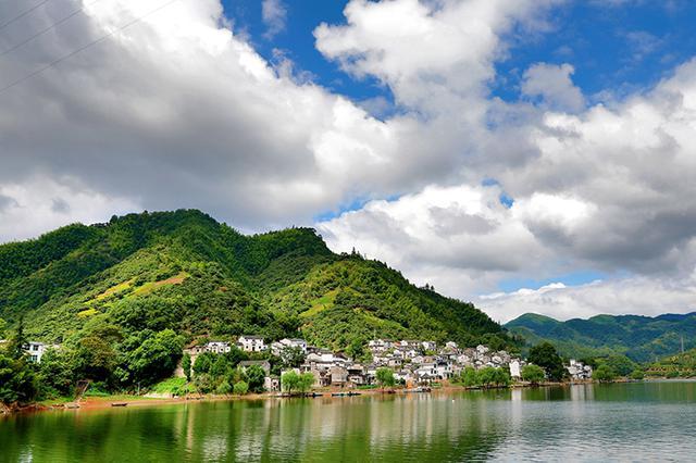 """新安江山水画廊:""""水质对赌""""带来""""水质反哺"""""""