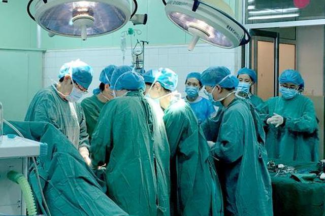 84岁老太肠管被5厘米大肿瘤堵死命悬一线