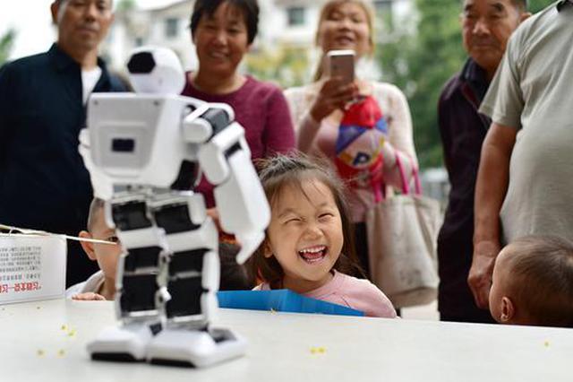 安徽阜南:科普日感受科技魅力