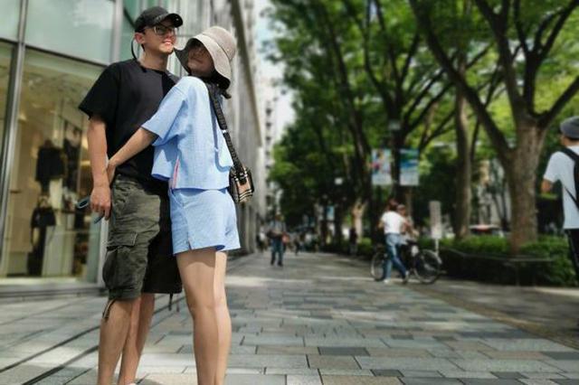 张杰晒拥抱照庆结婚八周年 谢娜甜蜜表白引人羡