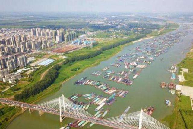 蚌埠船闸应急调度指挥组调研淮河船只滞留情况