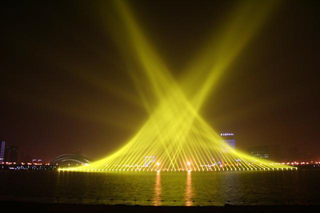 国庆后 合肥天鹅湖每周最多播放24次灯光秀