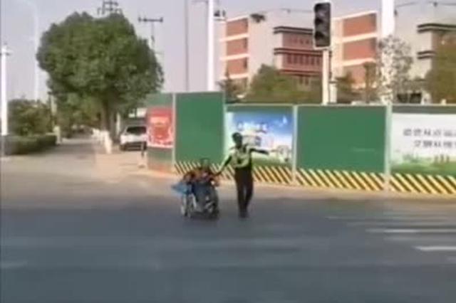 合肥街头,申博线路检测登入这名民警的举动感动众人