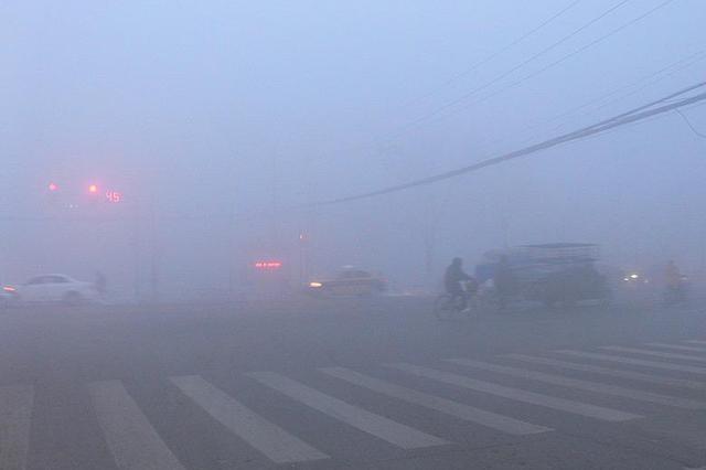 今日早晨安徽北部出现大雾天气