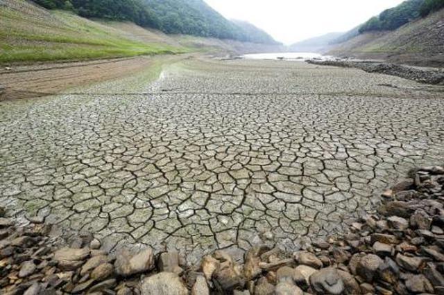 特重气象干旱给秋种工作带来极大困难
