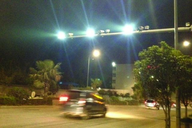 道路监控补光灯可以更加人性化