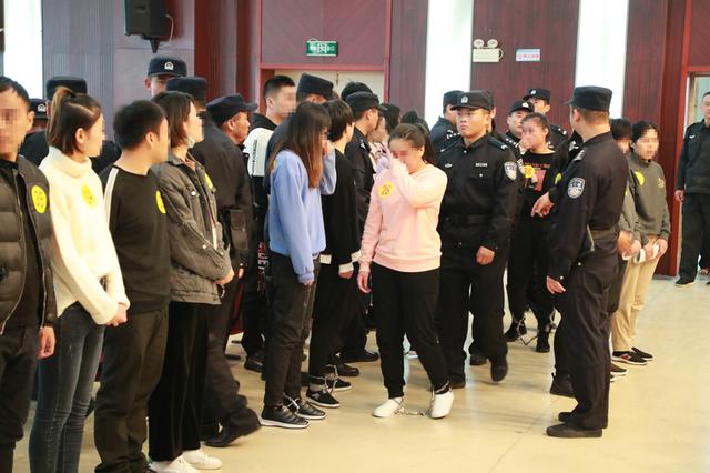 49人恶势力集团合肥受审