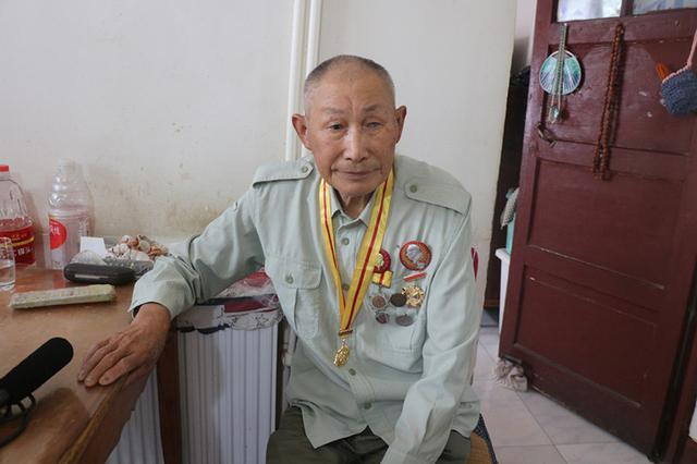 """90岁特等功老兵李忠秀:被""""雪藏""""的""""前半生"""""""