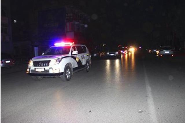 阜阳临泉法院凌晨紧急出动7辆警车 执行干警分3组抓捕