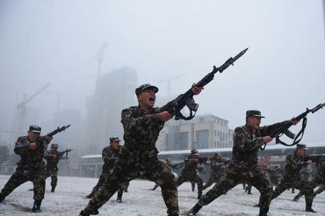 安徽武警:风雪练兵砺血性