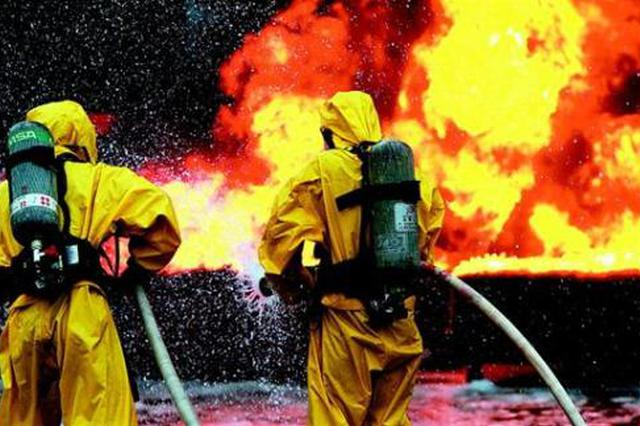两姐妹做饭引发火灾 合肥公安、消防联手扑灭