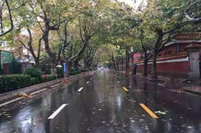 芜湖:全警上路应对降雨早高峰