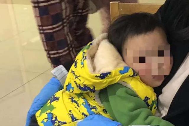 奇葩父母 吵架赌气竟将1岁多的女婴丢在街头