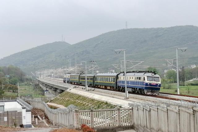 商合杭高铁南段进行联调联试