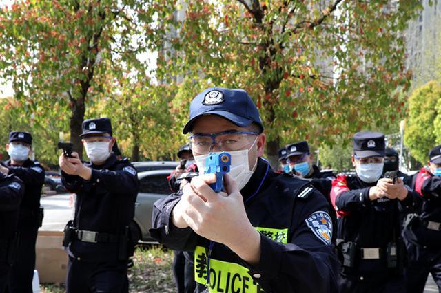 携枪带弹实战演练 合肥市警察培训支队送教上门