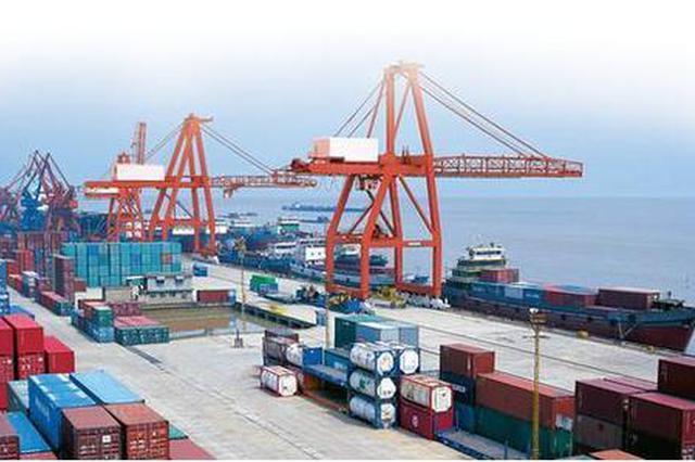 一季度中国进出口总值同比降6.4% 贸易顺差减少八成