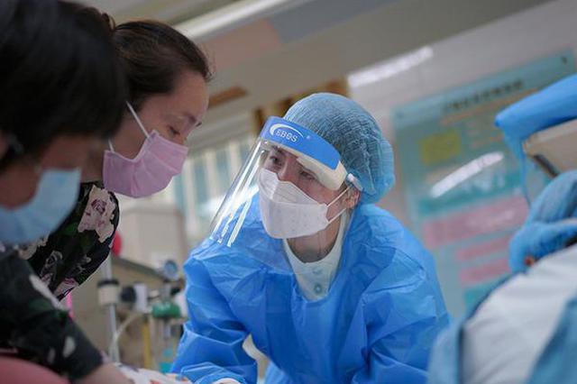 走进急诊护士的一天:忙碌的坚守 让护理有温度